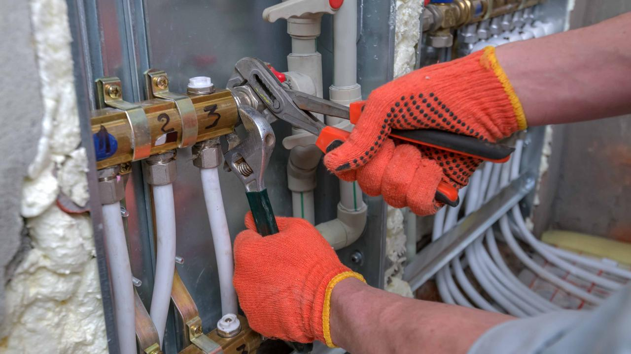 Steamfitters, pipefitters and sprinkler system installers